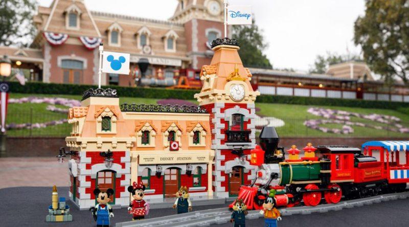 LEGO Disney 71044 Disney Train And Station 30 800x445