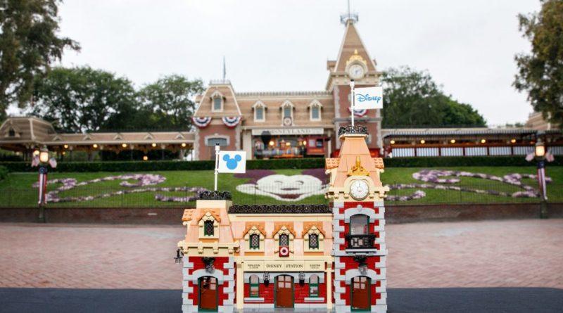 LEGO Disney 71044 Disney Train And Station 33 800x445
