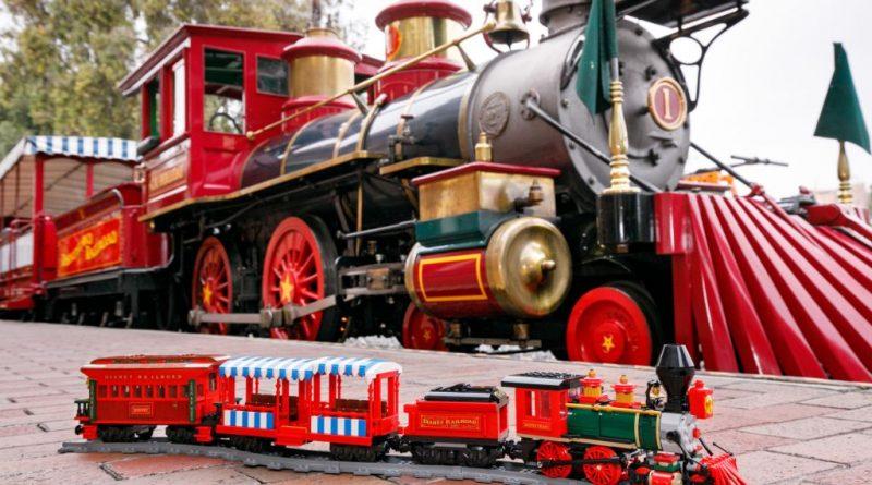 LEGO Disney 71044 Disney Train And Station 37 800x445