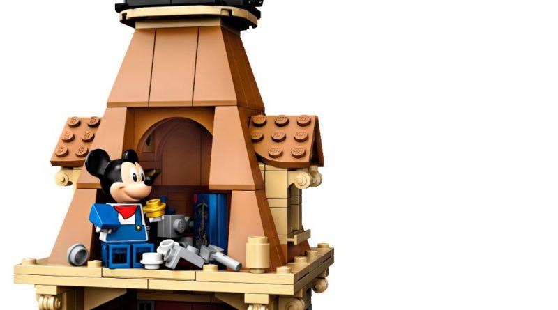 LEGO Disney 71044 Disney Train And Station 4 800x445