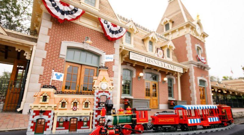 LEGO Disney 71044 Disney Train And Station 46 800x445