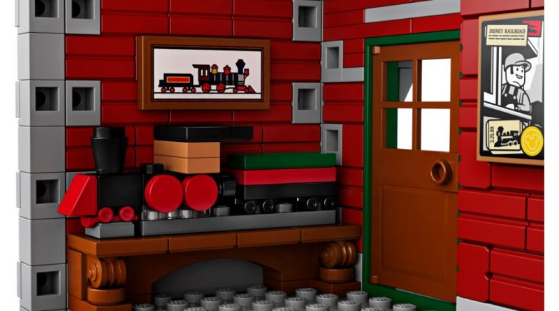 LEGO Disney 71044 Disney Train And Station 6 800x445