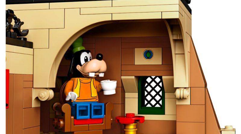 LEGO Disney 71044 Disney Train And Station 7 800x445