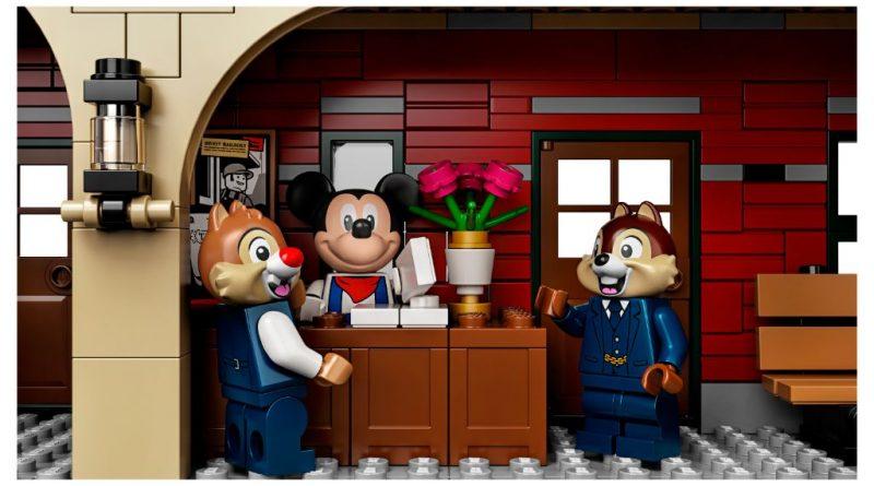 LEGO Disney 71044 Disney Train And Station 8 800x445