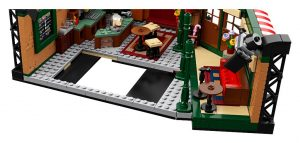 LEGO Ideas Friends 21319 Central Perk 7 300x143