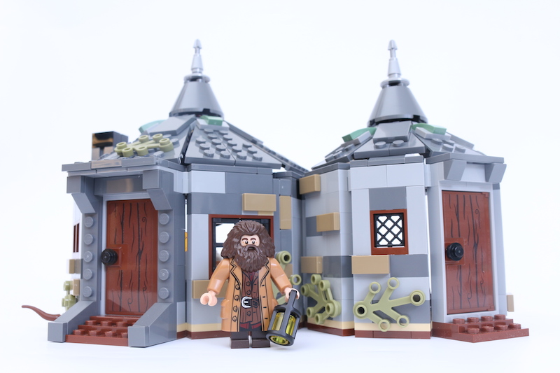 LEGO Harry Potter 75947 Hagrid's Hut Buckbeak's Rescue 4