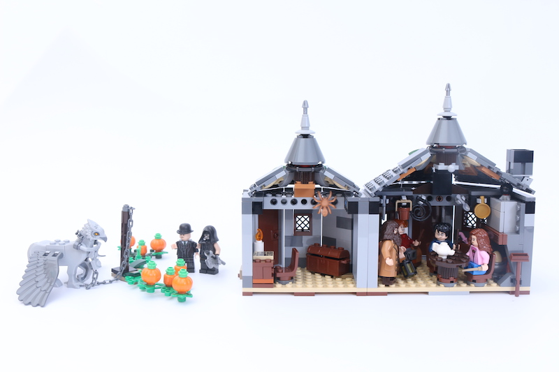 LEGO Harry Potter 75947 Hagrid's Hut Buckbeak's Rescue Main