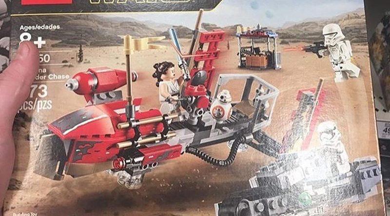 LEGO Star Wars 75250 Pasadana Speeder Chase Featured 800 445 800x444