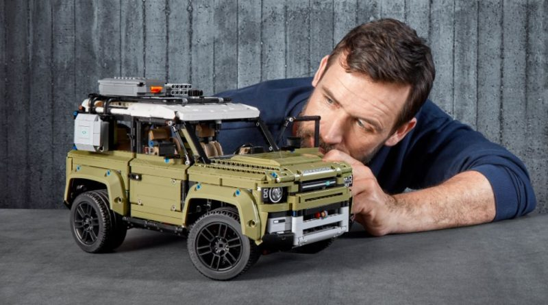 LEGO Technic 42110 Land Rover Defender 1 800x445