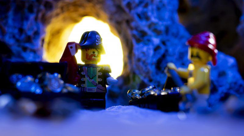 Cave Macro BLUE 800x445