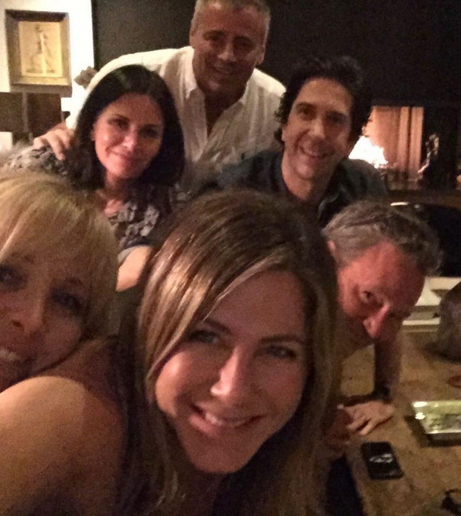 Friends Instagram Jennifer Aniston 915x1024