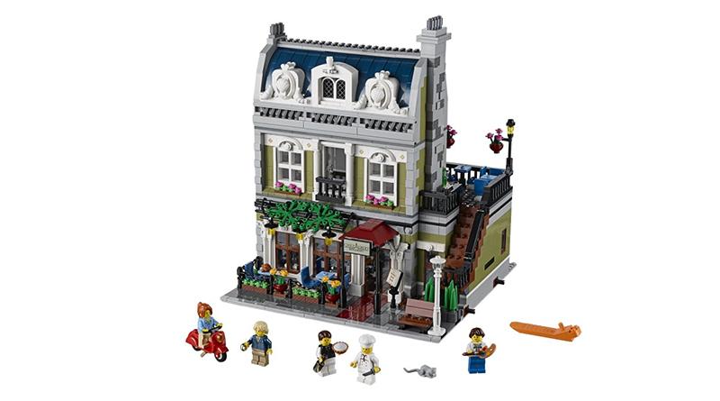 LEGO 10243 Parisian Restaurant Featured 800 445