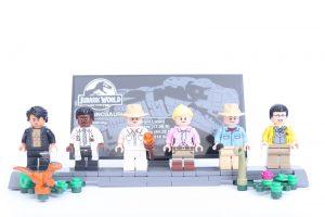 75936 Jurassic Park: T. rex Rampage minifigures
