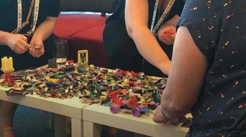 LEGO Battling Bots Workshop Featured 800 445