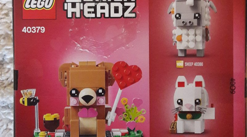 LEGO BrickHeadz 40379 Valentine Bear 2 800x445