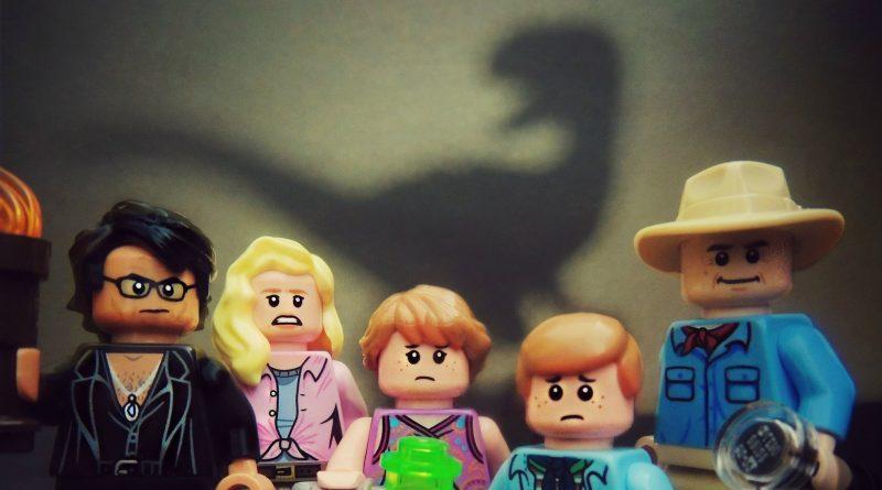 LEGO Jurassic Jeff E1571698673611 800x445