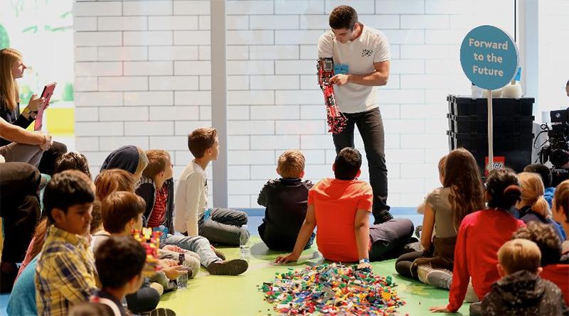 LEGO Rebuilder Workshop Featured 800 445