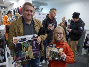 LEGO Star Wars Midnight Madness Forbidden Planet 14