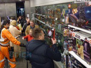 LEGO Star Wars Midnight Madness Forbidden Planet 7