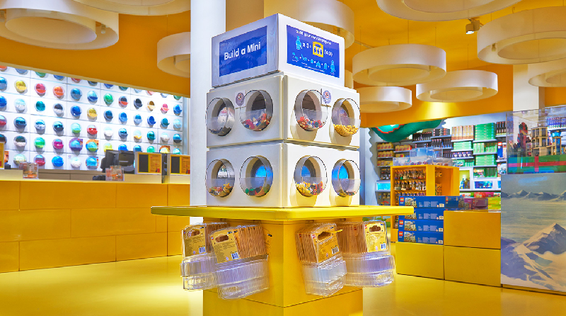 LEGO Store Featured 800 445