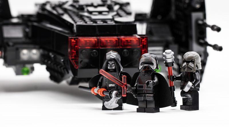 Lego Star Wars 75256 Kylo Ren S Shuttle Review By Brick Fanatics