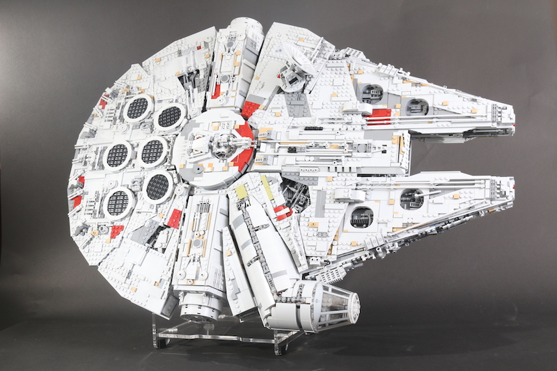IDisplayit Brick Fanatics Magazine 75192 Millennium Falcon Display Stand Review 23