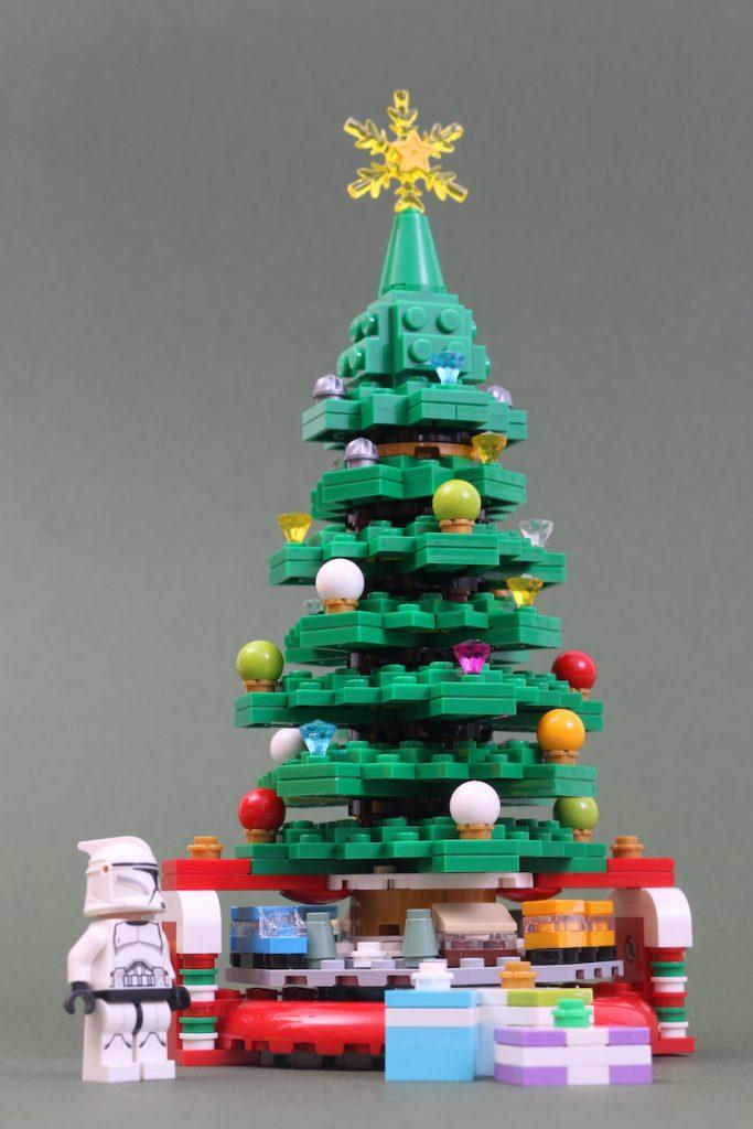 40338 Christmas Tree Review Black Friday Brick Friday 1 683x1024