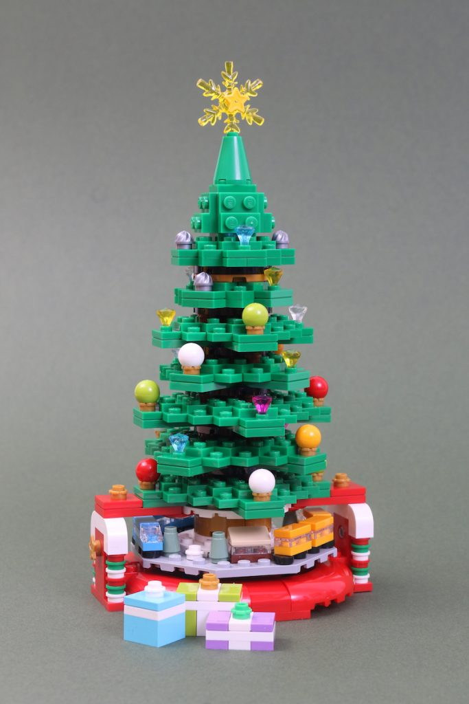40338 Christmas Tree Review Black Friday Brick Friday 5 683x1024