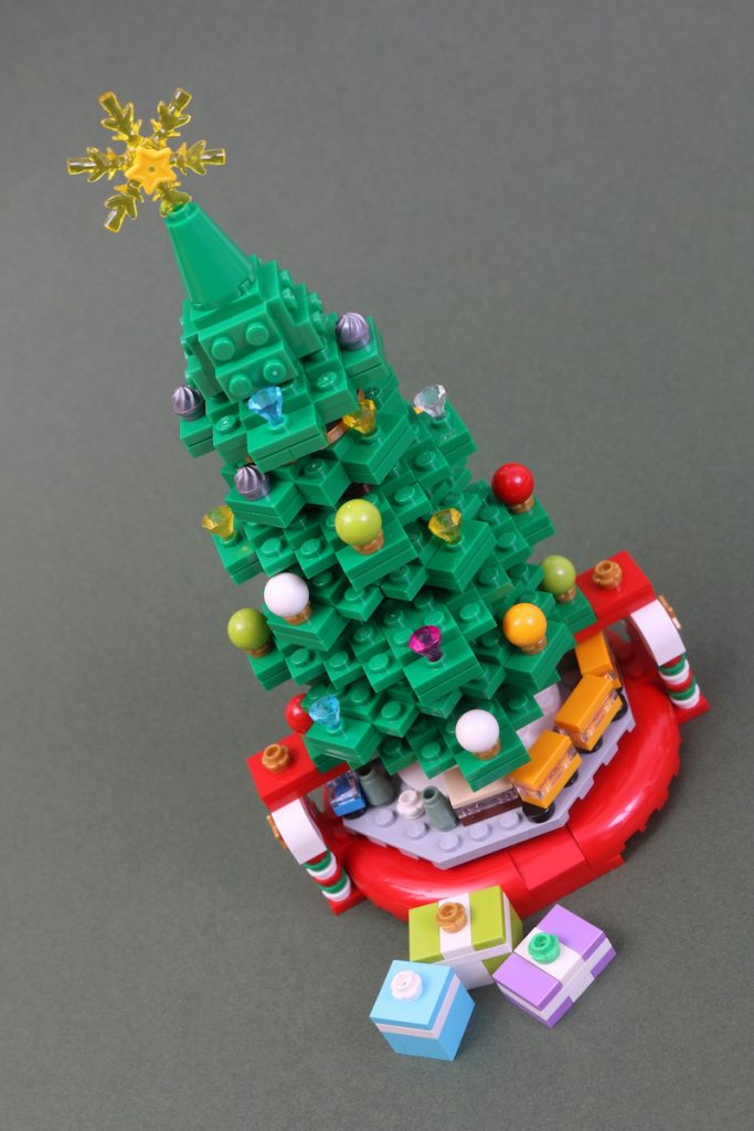 40338 Christmas Tree Review Black Friday Brick Friday 6 683x1024