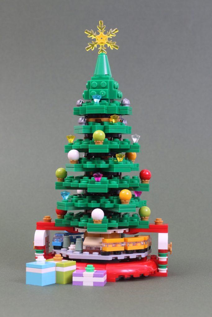 40338 Christmas Tree Review Black Friday Brick Friday 9 683x1024