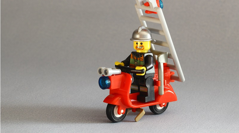 Brick Pic Fire Scooter Featured 800 445