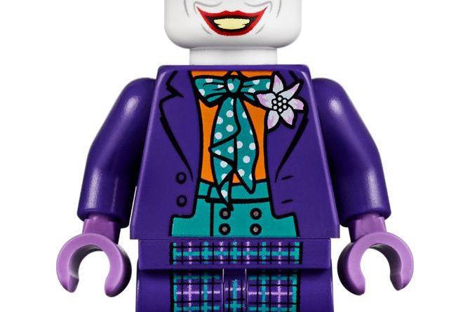 LEGO Batman 76139 1989 Batmobile 4 670x445