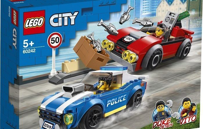 LEGO City 60242 Police Highway Arrest 1 699x445