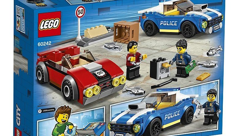 LEGO City 60242 Police Highway Arrest 2 780x445