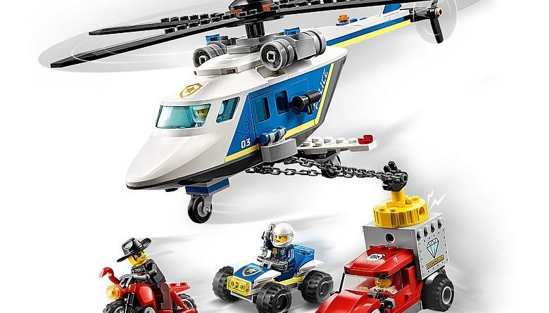 LEGO City 60243 Police Helicopter Chase 4 780x445