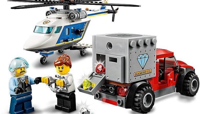 LEGO City 60243 Police Helicopter Chase 6 780x445