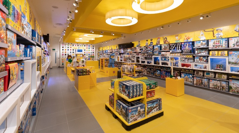 LEGO Store Featured