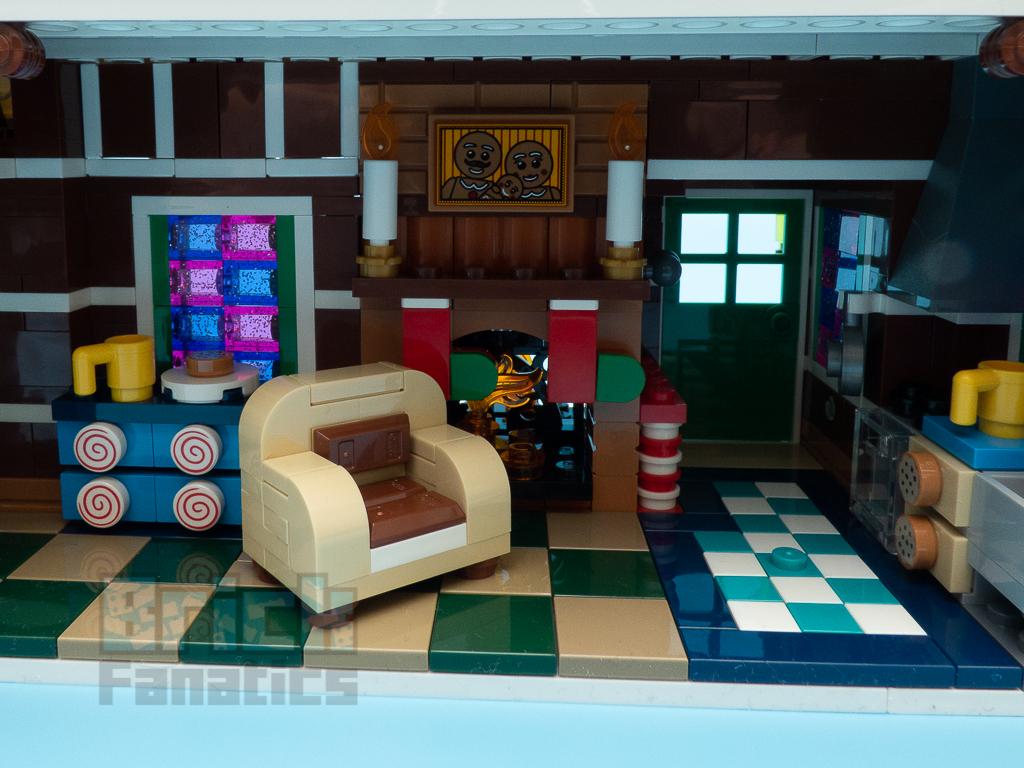 LEGO Creator Expert 10267 Gingerbread HouseLEGO Creator Expert 10267 Gingerbread House