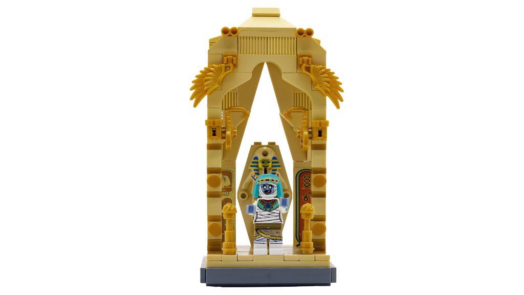 Mummy Vignette WHITE 1024x576
