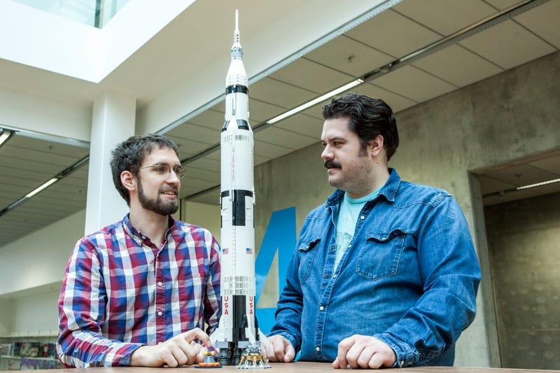 21309 92176 LEGO NASA Apollo Saturn V top 20 LEGO Sets