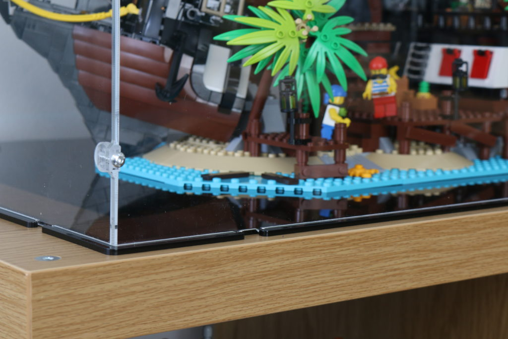 21322 Pirates Of Barracuda Bay LEGO Display Case Review 12