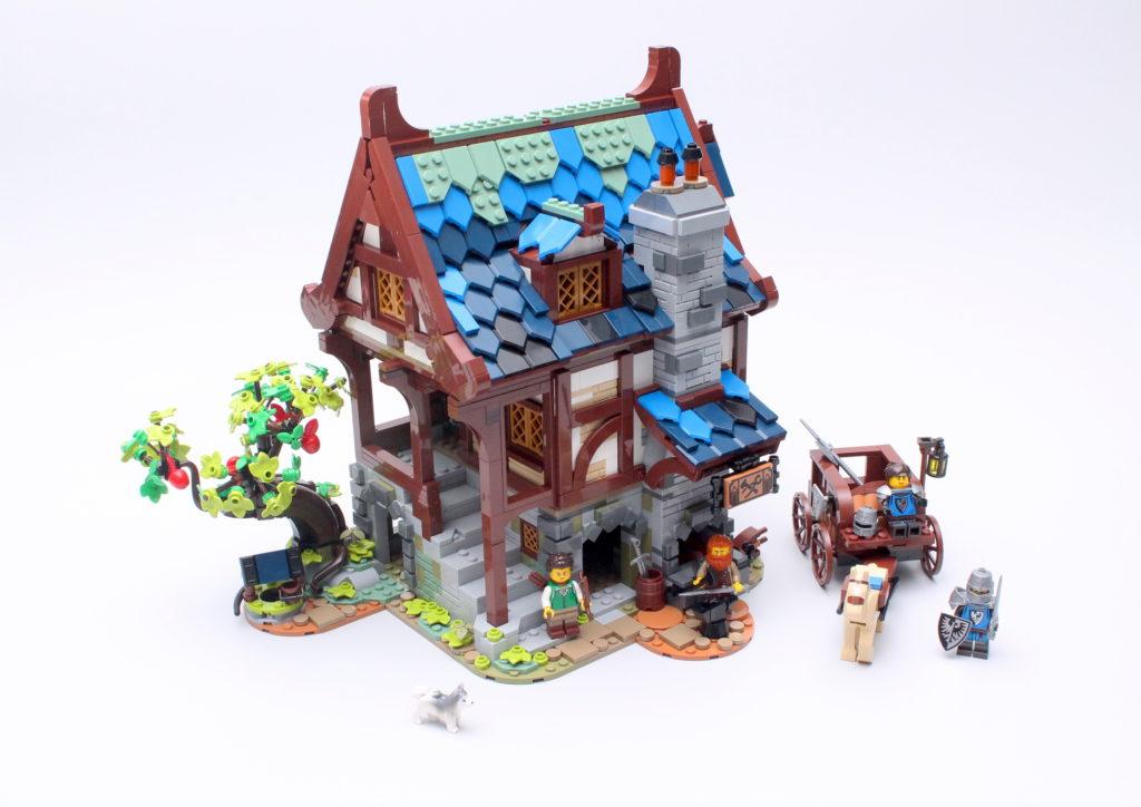 21325 Medieval Blacksmith Review 1