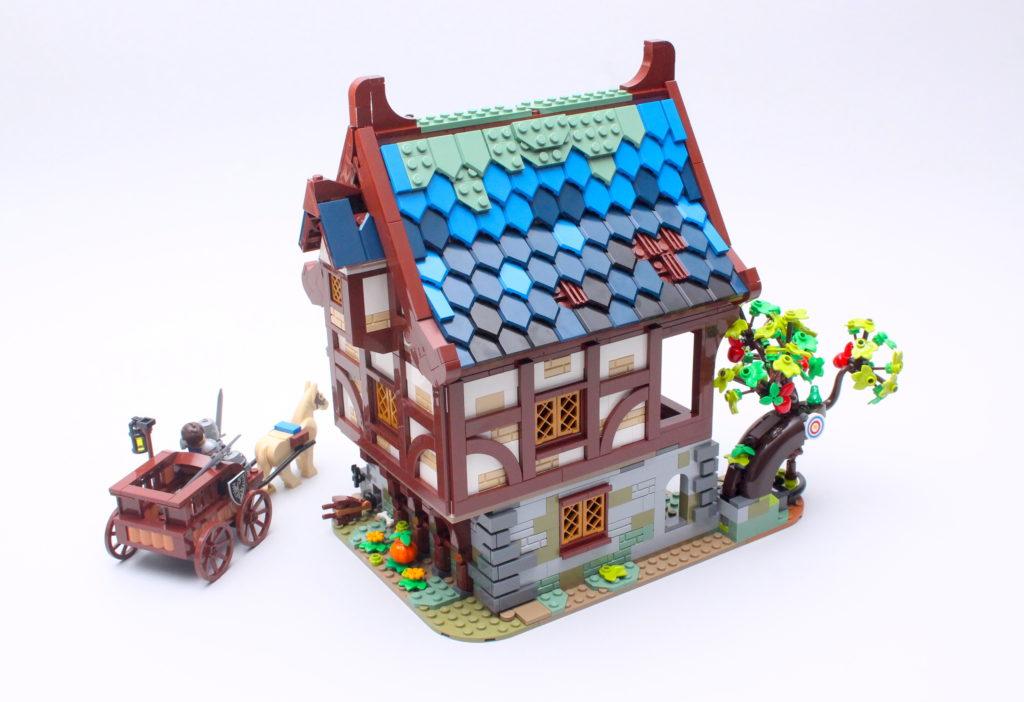 21325 Medieval Blacksmith Review 2