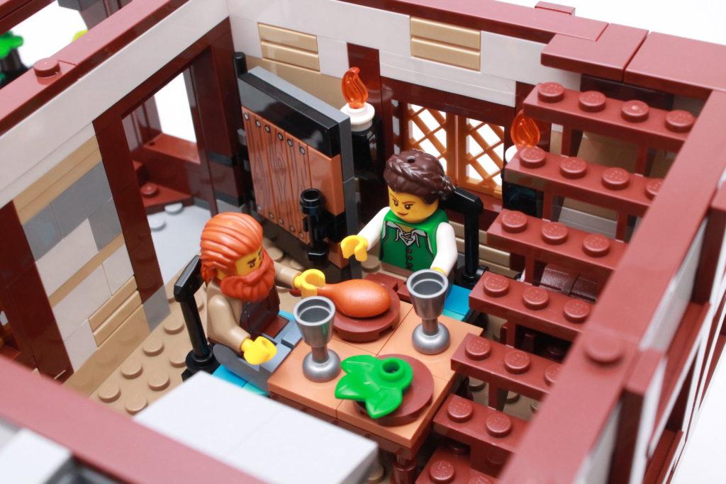 21325 Medieval Blacksmith Review 21