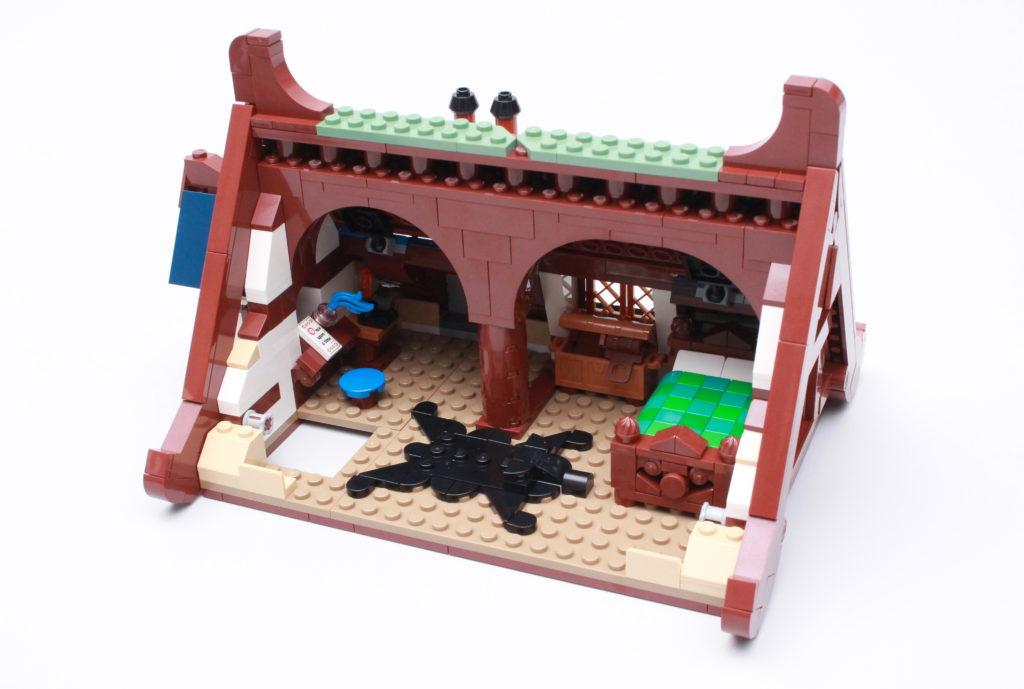 21325 Medieval Blacksmith Review 32