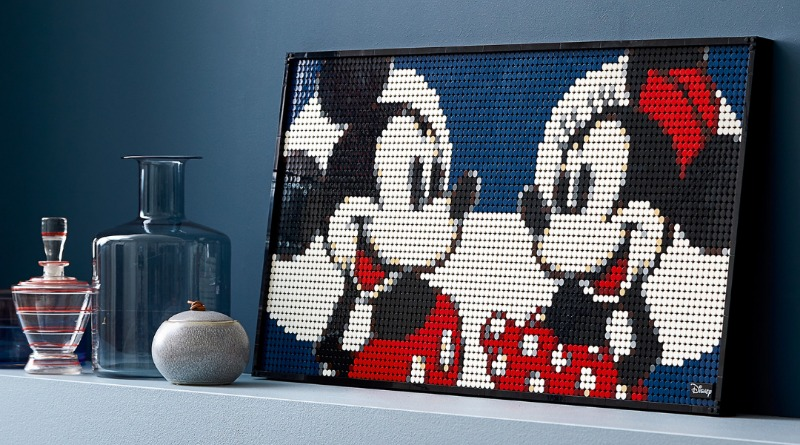 31202 Disneys Mickey Mouse Featured
