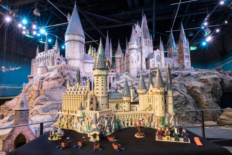 71043 Hogwarts Castle Hero 1 1
