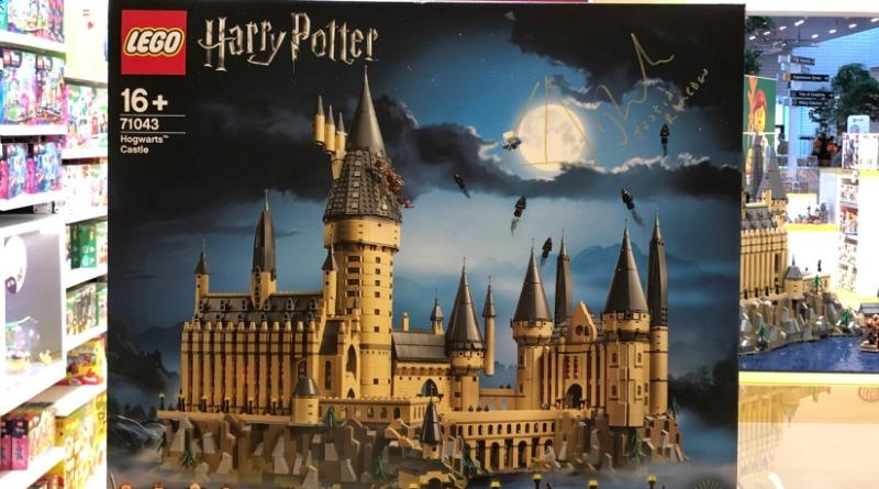 71043 Hogwarts Castle Signed Featured