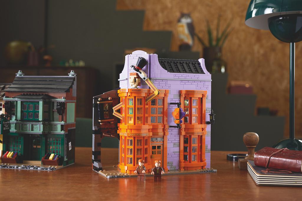 75978 Diagon Alley LEGO Harry Potter Lifestyle Resized 10