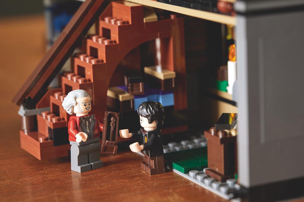 75978 Diagon Alley LEGO Harry Potter Lifestyle Resized 13